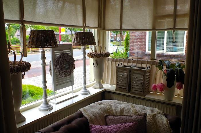 Cheap vensterbank decoratie ideeen gordijnen maken with for Decoratie gang