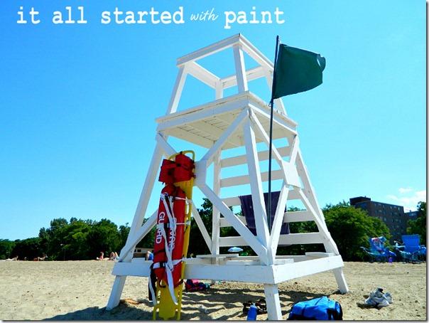 chicago_beach_lifeguard_stand_loyola