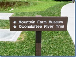0388 North Carolina - Smoky Mountain National Park - US 441 (Newfound Gap Road) - Oconaluftee Visitor Center  - Mountain Farm Museum & Oconaluftee River Trail sign