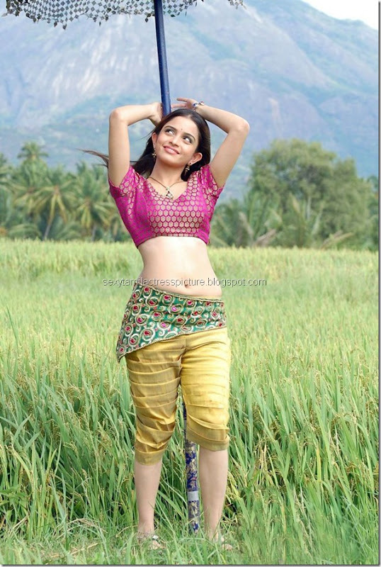 hot-Sheena-Shahabdi-Latest-navel-image