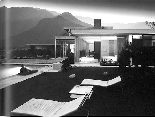Julius Schulman, a pillar of modernist architectural photography, took this iconic exterior shot of the Kaufman house -