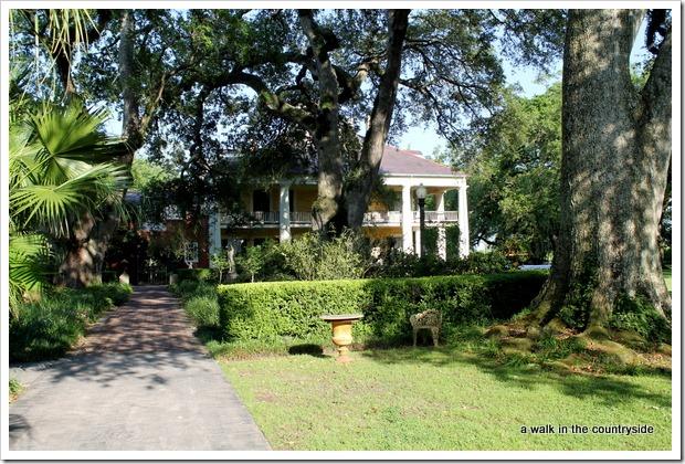 houmas house garden tour