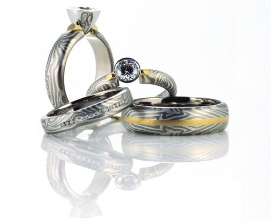 space_gold_rings_l3vue