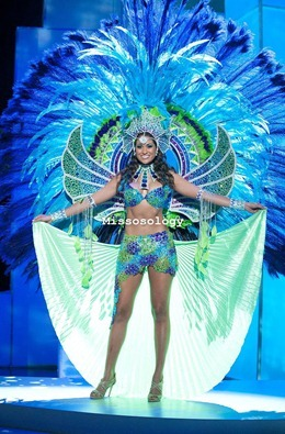 miss-uni-2011-costumes-7