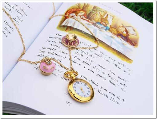book-cute-john-tenniel-pretty-Favim.com-114243_large