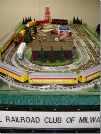 tt040075 Lionel Railroad Club of Milwaukee at TrainTime 2004