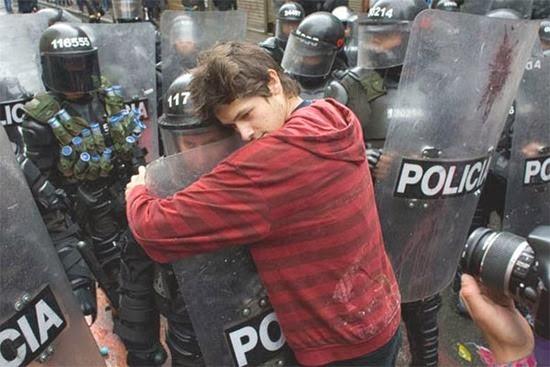 Protestos pelo mundo 04
