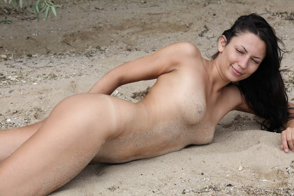 [Eroticbeauty] Lusee - Sandy Beach eroticbeauty 10270