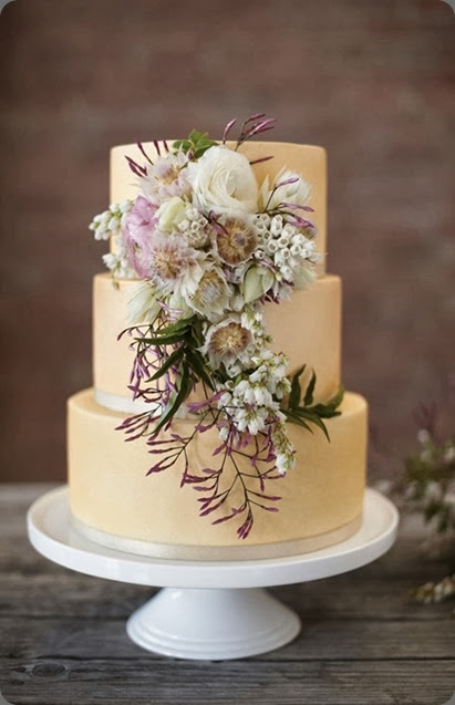 cake_love_sophisticated_floral_wedding_cake  Nikole Ramsay photo flowers unidentified