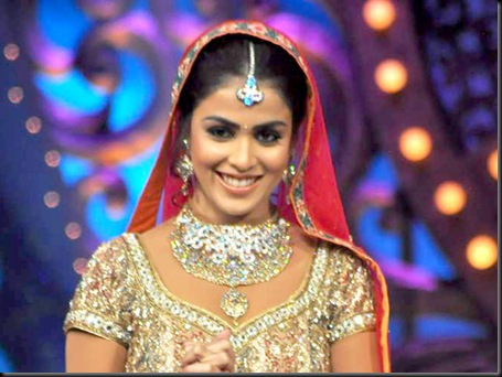 Malaika, Genelia on the sets of Saroj Khan Show6