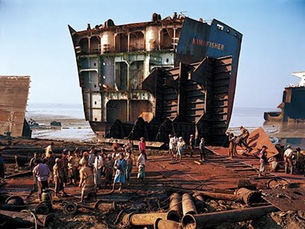contaminación marítima por hidrocarburos proviene por desguaces navales