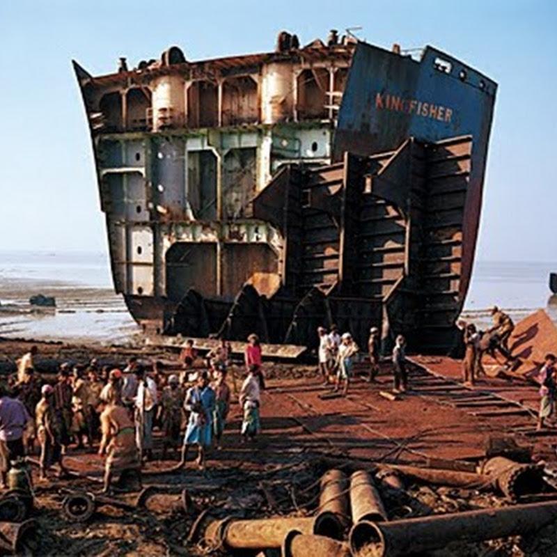 El desguace ilegal de un barcos, contaminación y esclavitud