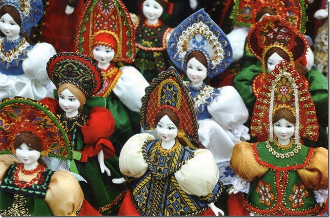 Russian dolls in traditional costumes