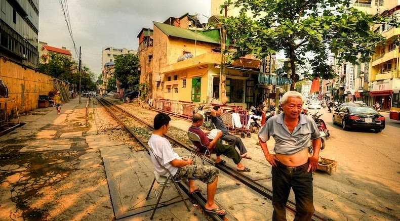 hanoi-train-track-7