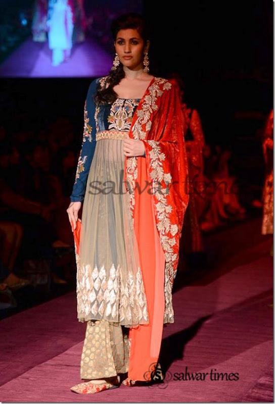 Shyamal_and_Bhumika_Collection_at_Lakme_Fashion_Week_2013 (1)