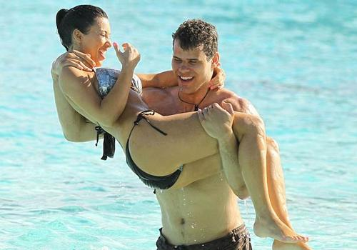 kris humphries honeymoon photos 3.jpg