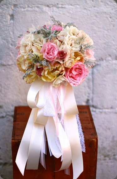ribbon sebesta design thompson-bridal-bouquet