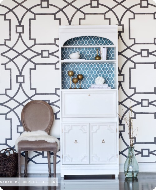 stenciled-wall-secretary-desk