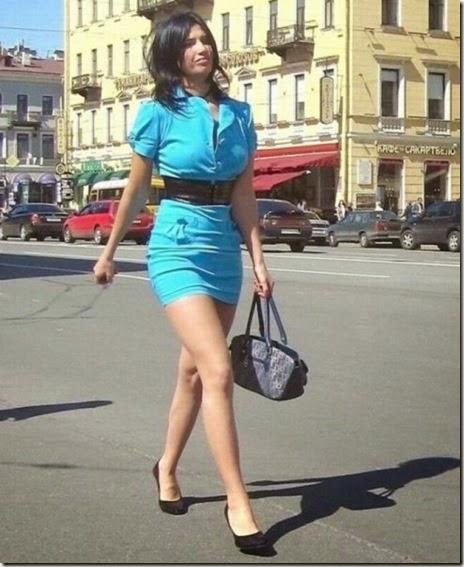women-street-walkers-042