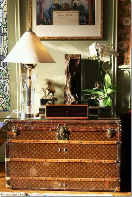 Louis-Vuitton-Trunk-Table