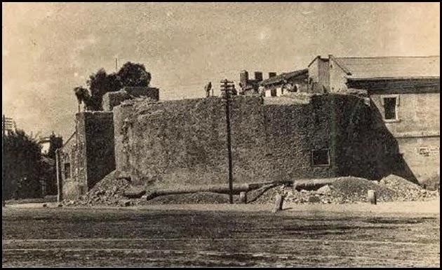 La ciudadela 1900