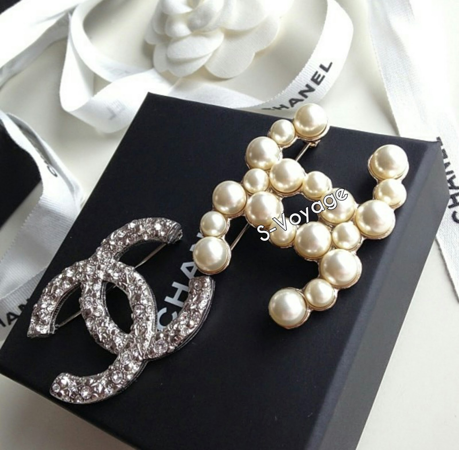 brooch crystal chanel unboxing youtube watch cc