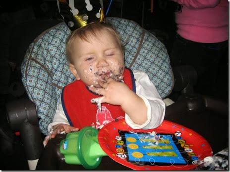 kids-enjoying-food-028