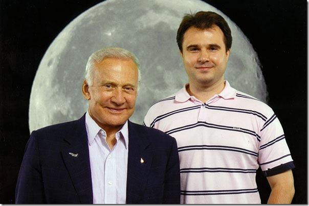 Я сфотографировался с Баззом Олдриным, вторым человеком на Луне (Аполлон 11).