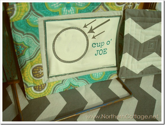 cute quilted mug rug @NorthernCottage.net