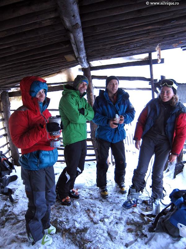 2013.01.26 - Leaota - Schi de tura cu bivuac la stana
