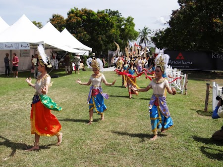08. Dansatoare Thailanda.JPG