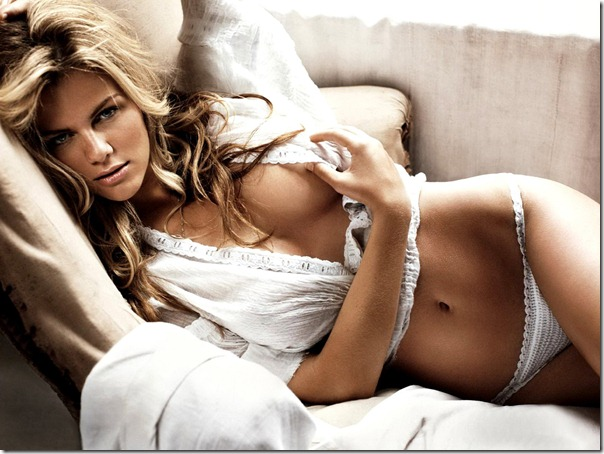 brooklyn_decker-wallpaper 2