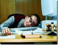 Impiegato statale al lavoro[4]
