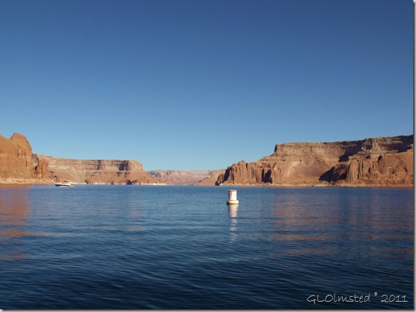 03 Dungeon Canyon buoy Lake Powell UT (1024x768)