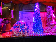 2014.12.01-053 vitrines des Galeries Lafayette