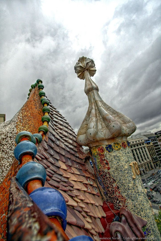 Casa Battlo roof Barcelona Gaudi1.png