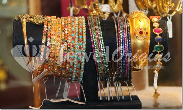 Gold_Bangles_Latest(1)
