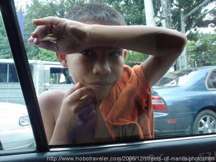 187-02-beggar-in-manila