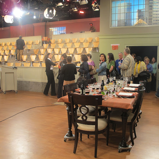The studio audience starts to file in before the episode airs live.