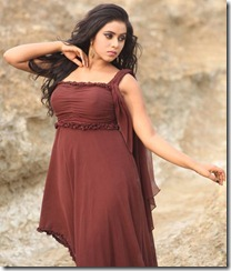 Actress Shamna Kasim at Padam Pesum Tamil Movie Stills