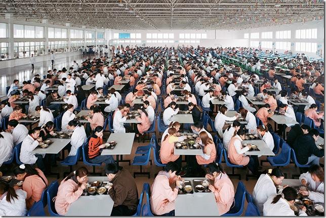 Edward Burtynsky - Manufacturing #11, Youngor Textiles, Ningbo, Zhejiang Province, China, 2005