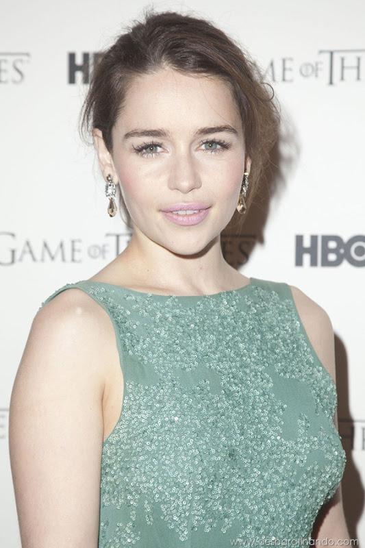 emilia-clarke- Daenerys-Targaryen-linda-sexy-game-of-trhones-guerra-dos-tronos-sexta-proibida-desbaratinando (3)