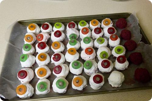 eyeball cake balls 02