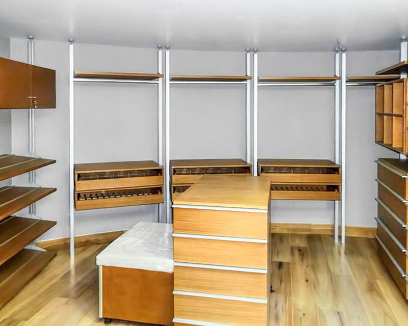 Closet vestidor de lujo vista 02 for Modelos de zapateras en closet