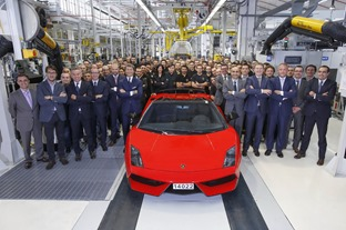 1_Last Gallardo and Assembly Line   Lamborghini Team