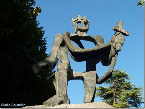 Monumento a los reyes de estirpe pirenaica - Huesca