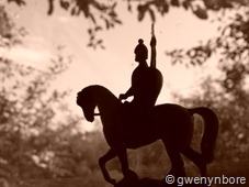 gwenynbore_horseman