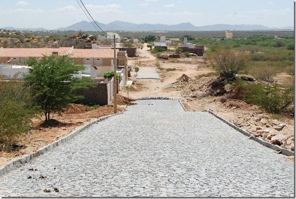 Pavimentação da Rua Maria do Céu Linhares