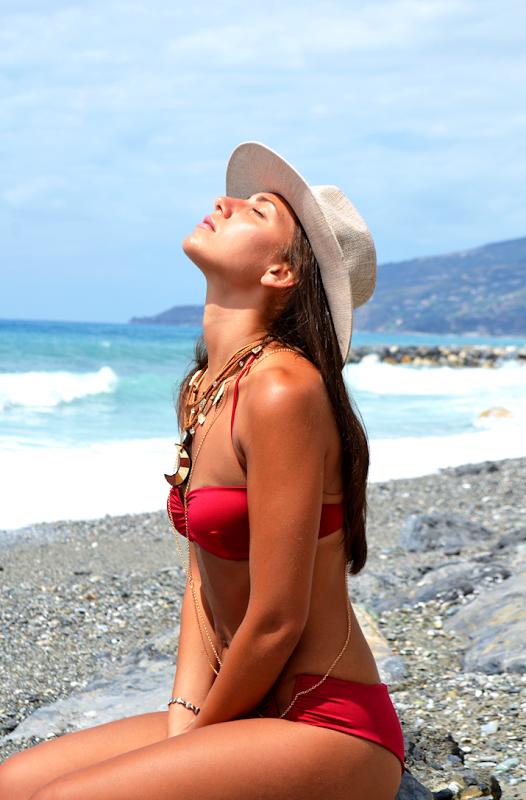 prendere il sole protezione pelle giovane abbronzsatura rapida