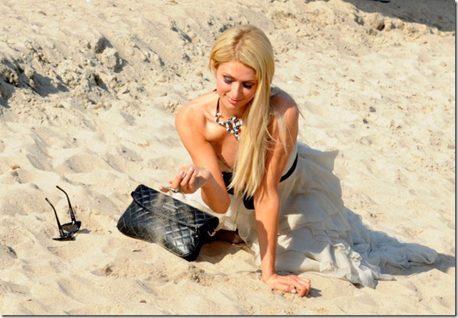 Paris Hilton seens posing famous photographer fgwM5Yhxzrxl